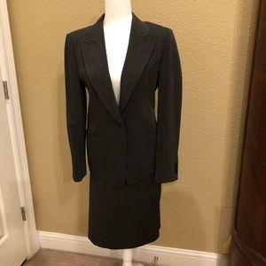 MaxMara ladies suit- skirt & Jacket sz 10